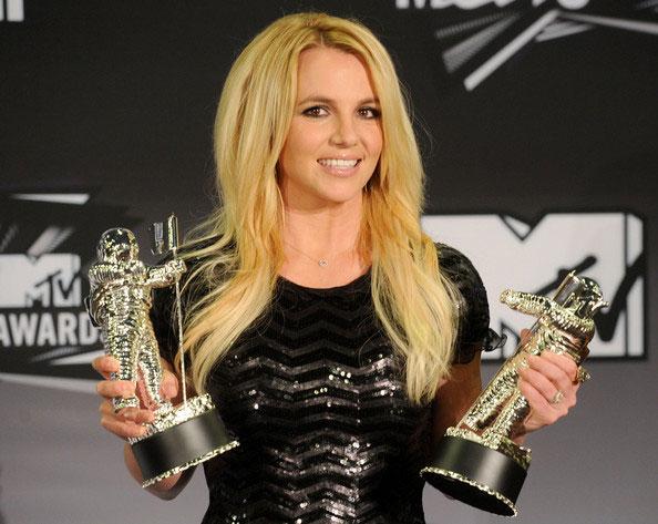 Britney-Spears-2011-MTV-Video-Music-Awards-DeFp0sCjkXul