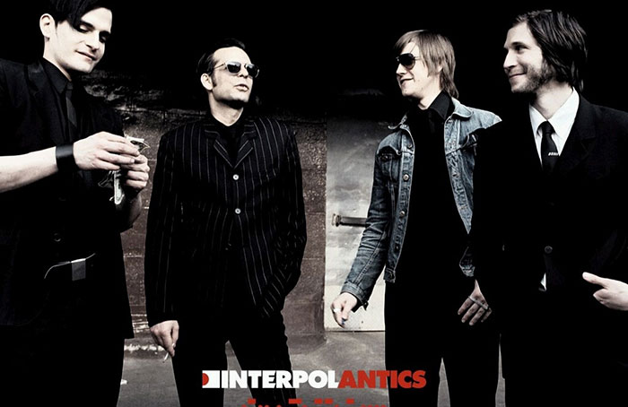 interpol-antics043