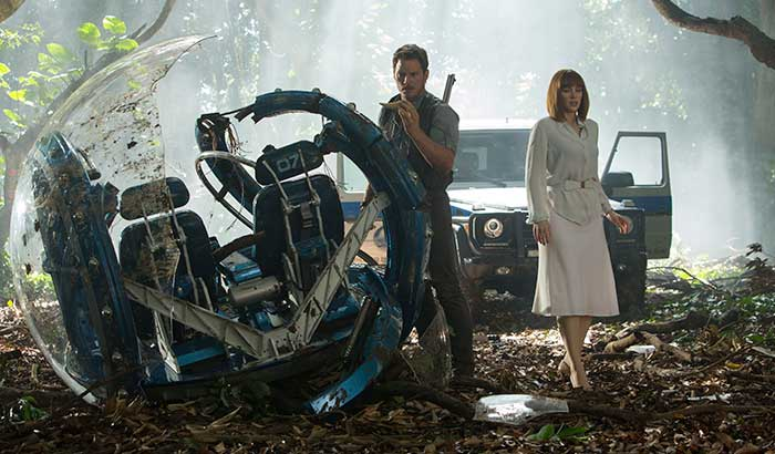 jurassic-world-t-pic