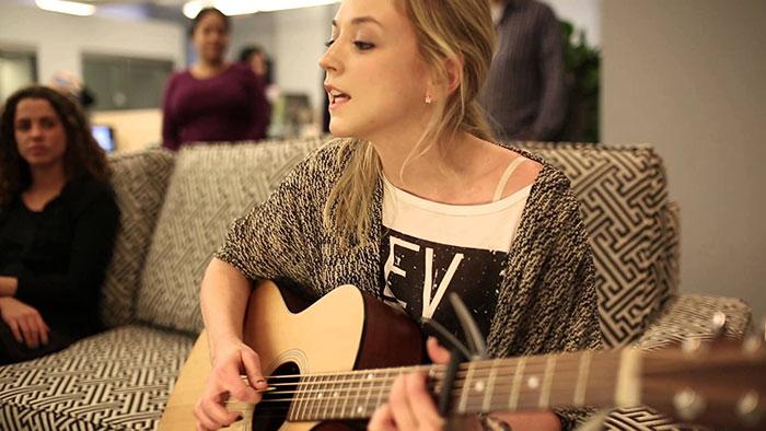 Emily-Kinney-333