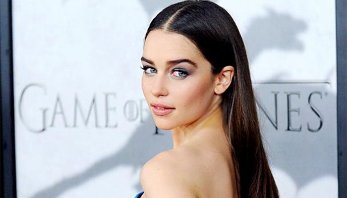 Emilia-Clarke-game-of-thoenes-1