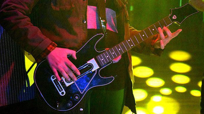 guitar-hero-live-guitar2-compressor