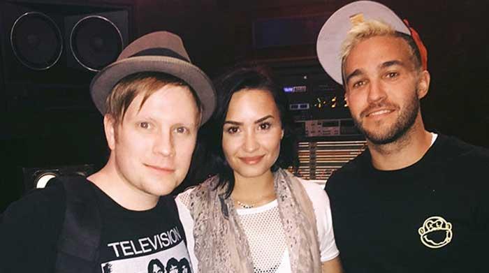 Patrick Stump, Demi Lovato y Pete Wentz.