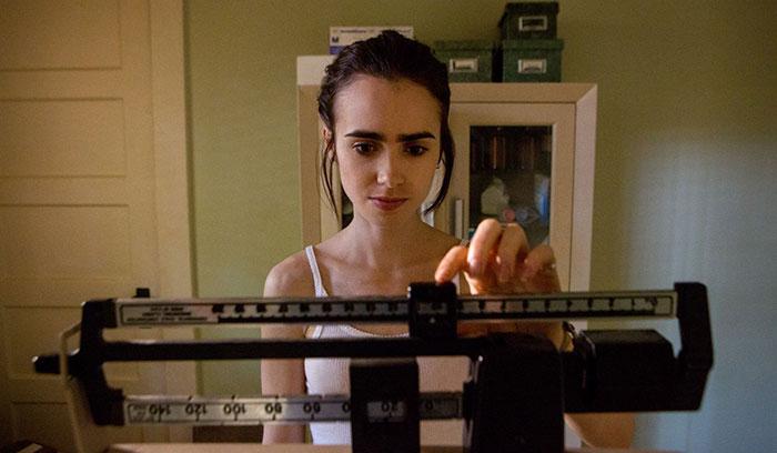 Lily Collins lucha contra la anorexia en su nueva película, 'To The Bone'