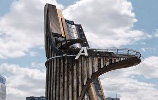 ¿Por qué no aparece la torre de los Avengers en las series de Marvel?
