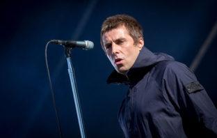 Álbum debut de Liam Gallagher se promueve con sus mejores tuits