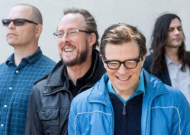 Mira el nuevo vídeo de Weezer: 'Happy Hour'
