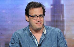 Warner Bros. despide a Andrew Kreisberg por acusaciones de acoso sexual