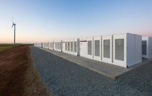 Tesla fabricará la batería de litio más grande del mundo