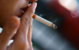 VÍDEO: Esto es lo que una cajetilla de cigarrillos deja en los pulmones