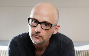 Moby anuncia nuevo álbum y estrena 'Like a Motherless Child'