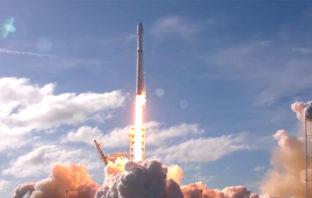 SpaceX: El lanzamiento del Falcon Heavy ha sido un éxito