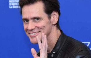 Jim Carrey se va de Facebook y pide al resto de usuarios hacer lo mismo