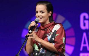Escucha 'Higher' y 'Three', dos nuevas canciones de Lily Allen