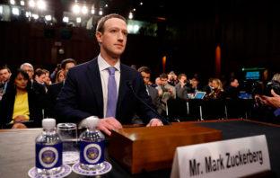 Cometí un error y lo siento, admite Zuckerberg ante Congreso de EE.UU.