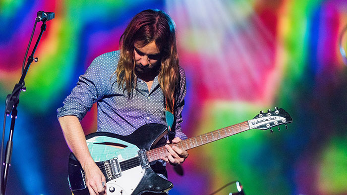 tame-impala-live-currents-34