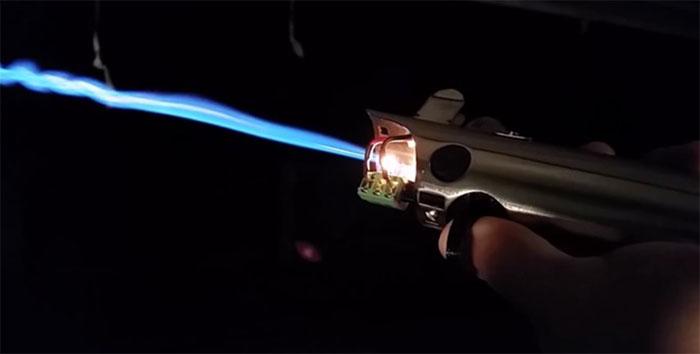 starwars-lightsaber1
