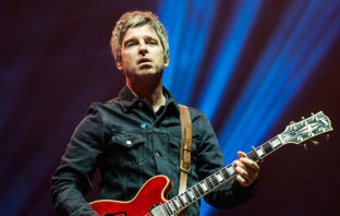 Noel Gallagher estrena el vídeo de 'She Taught Me How To Fly'