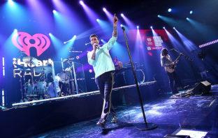 Maroon 5 reconoce a las mujeres en su nuevo vídeo, 'Girls Like You'