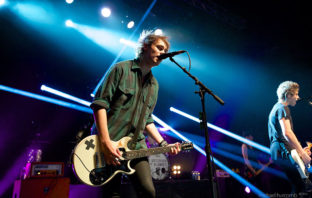 Tercer álbum de 5 Seconds of Summer ocupa el puesto no. 1 en la lista Billboard 200