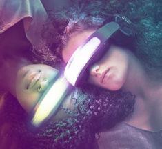 'Kiss Me First', la primera serie de Netflix en realidad virtual