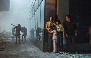 Primer adelanto al thriller de ciencia ficción 'Extinction' de Netflix