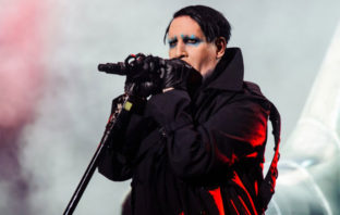 Marilyn Manson versiona 'Helter Skelter' de The Beatles