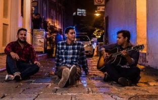Escucha 'Se nos va la noche', nueva canción de Rumichaca