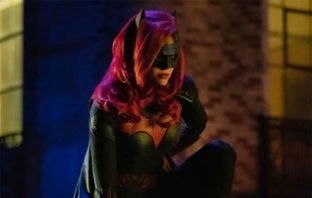 Primer vistazo a Batwoman en acción en el crossover del Arrowverso