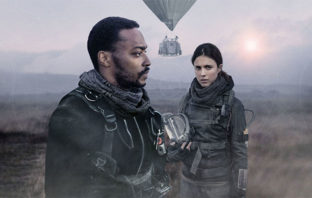 Mira el tráiler de 'IO', la nueva película post-apocalíptica de Netflix
