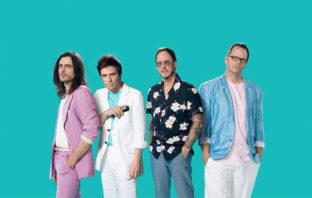 Escucha el nuevo disco de covers de Weezer: The Teal Album