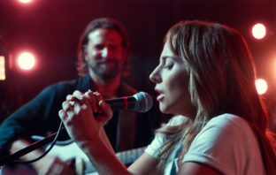 'A Star Is Born': a medio camino entre melodrama musical y joya cinematográfica