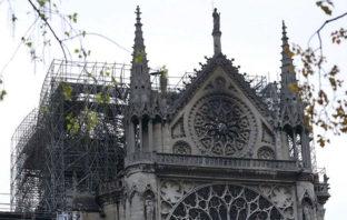 Apple donará para la reconstrucción de la catedral de Notre Dame