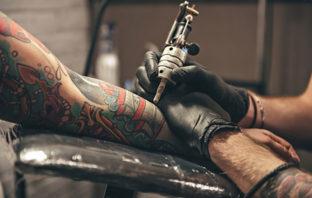¿En qué parte del cuerpo es más doloroso hacerse un tatuaje?