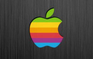 Apple podría recuperar el logo multicolor en algunos productos