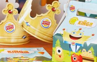 Dos niñas logran que Burger King elimine los juguetes de plástico de sus menús