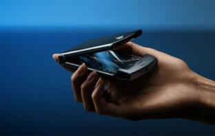 El icónico Motorola Razr está de vuelta, ahora con pantalla plegable