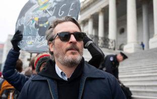 Joaquin Phoenix es arrestado en protesta contra el cambio climático