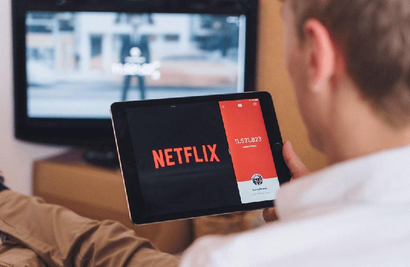 Netflix revela el top 10 de películas y series más vistas en Ecuador cada día