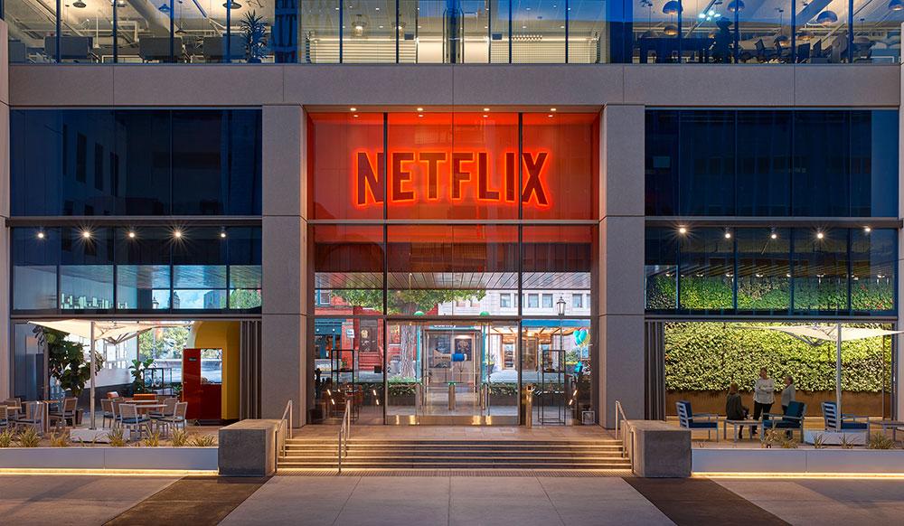 Netflix se solidariza con la industria del cine y crea un fondo de apoyo para los más afectados
